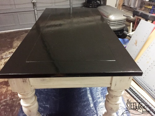 Easy inexpensive farmhouse DIY coffee table redo paint stain glaze distressed white chippy 7 the steel fox home blog